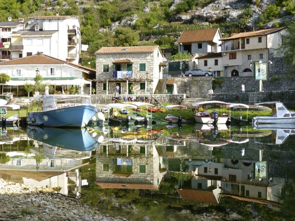 Clark Weeks Travel Info Montenegro - Perast